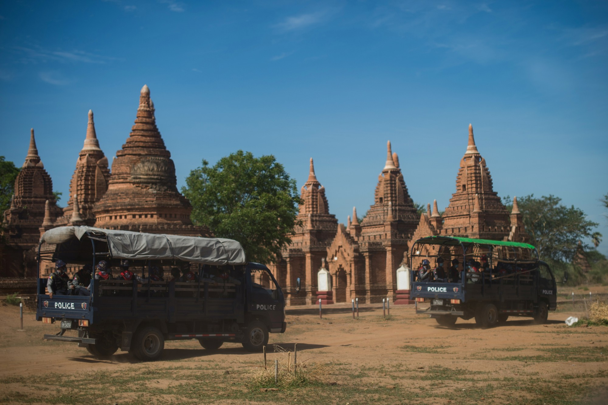 Burma : the tomb-temples invest Bagan, empty of tourists
