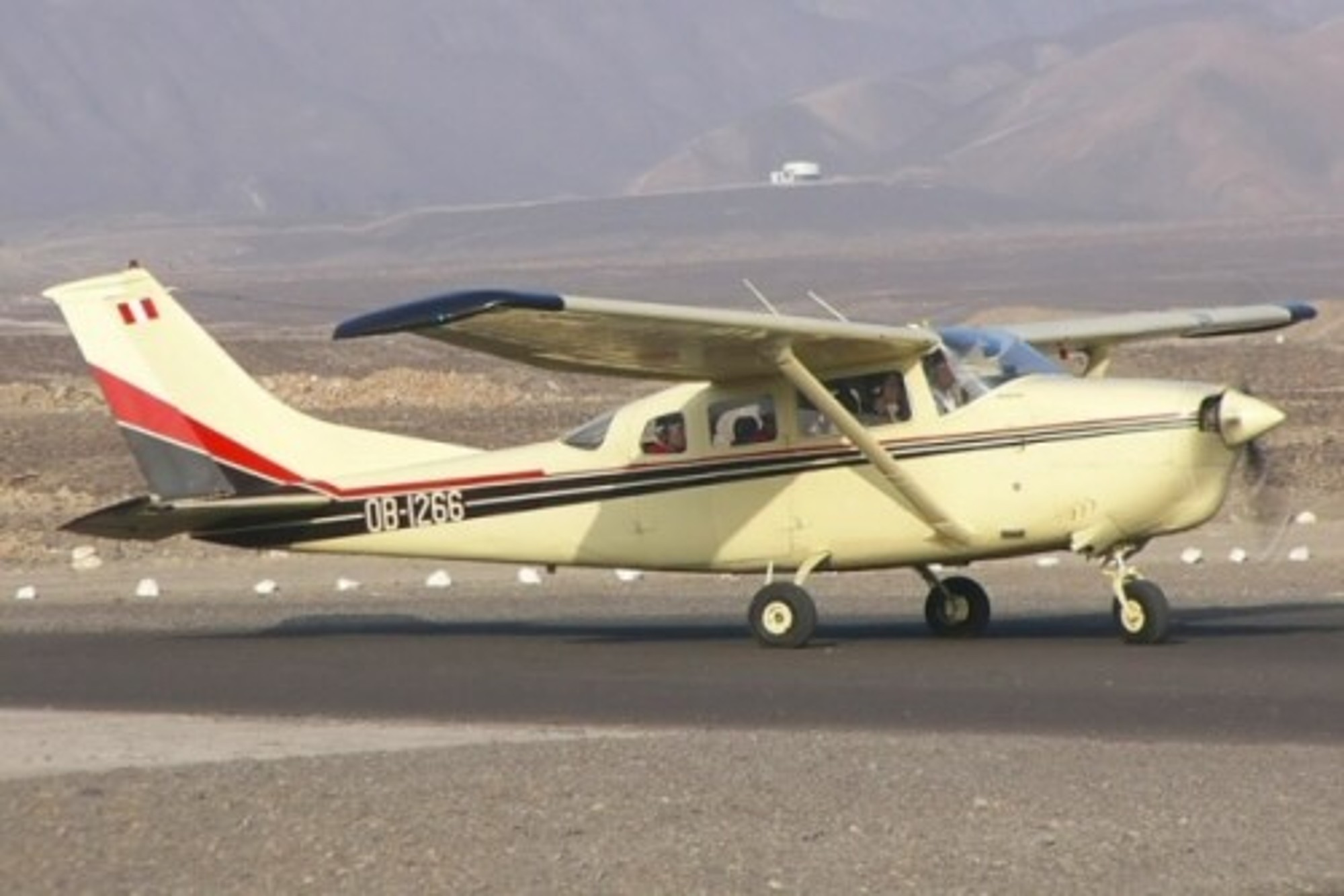 United states : fatal collision between two aircraft with 8 persons on board