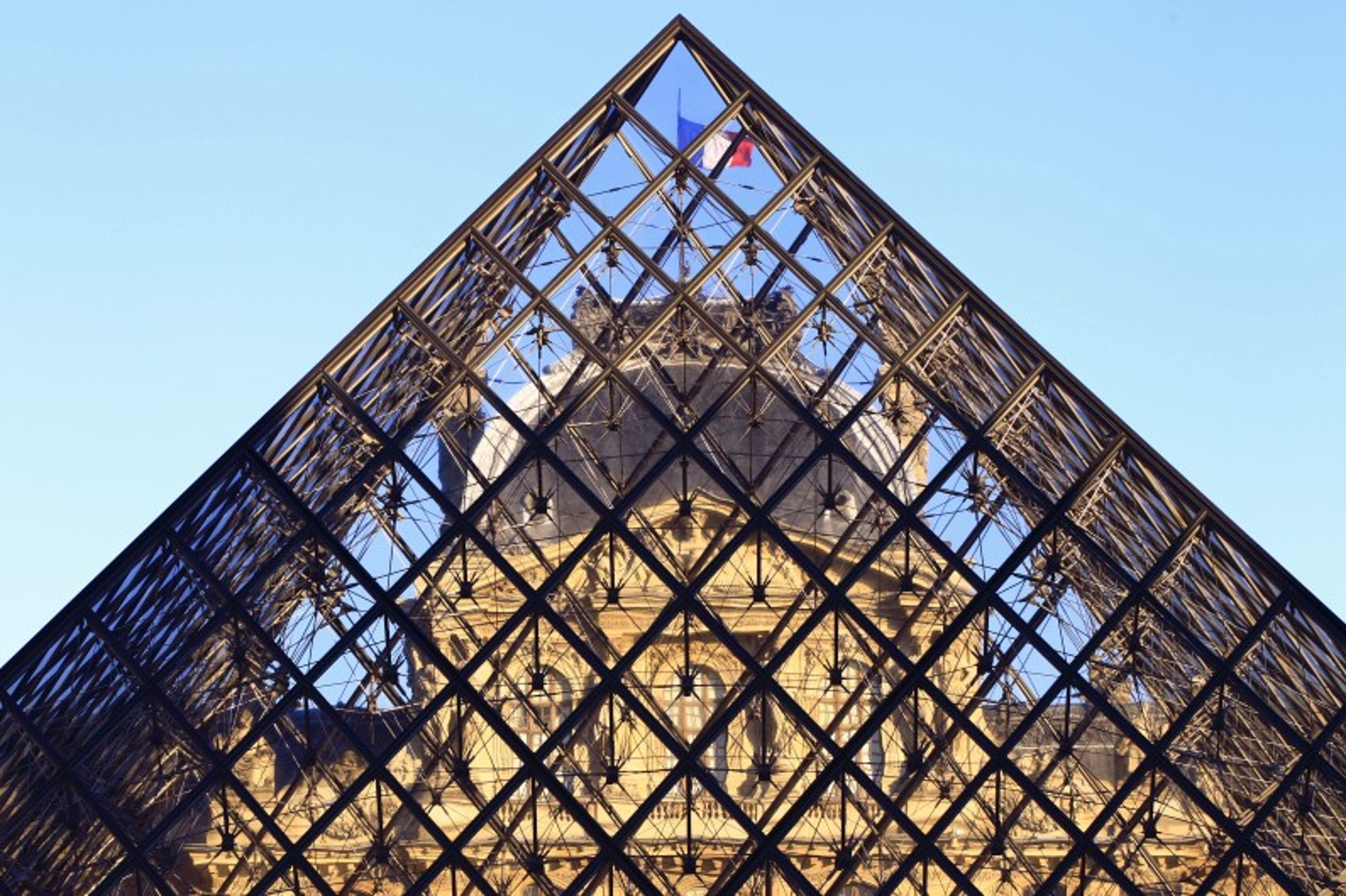 The Louvre Museum reopens on July 5, in a version post-Covid