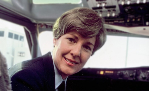 Dies the first woman pilot of a scheduled airline from USA